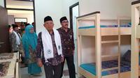Wakil Presiden (Wapres) KH Ma'ruf Amin meresmikan rumah susun sewa (Rusunawa) Institut Ilmu Al Quran (IIQ) di Pamulang, Tangerang Selatan, Banten. (Dok Kementerian PUPR)