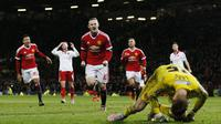 Wayne Rooney usai mencetak gol ke gawang Sheffield