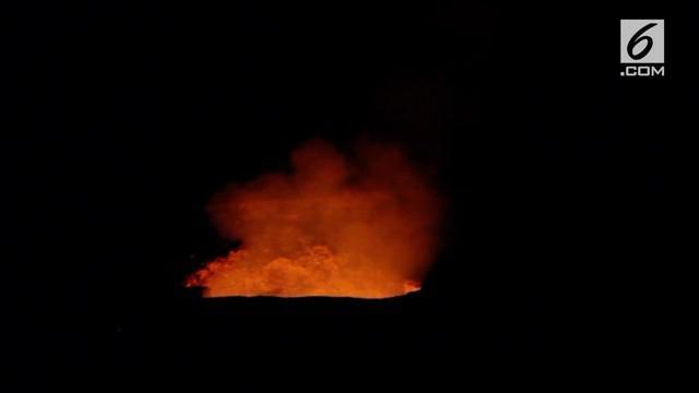 Gunung Kilauea di Hawaii masih terus menunjukkan erupsi. Larva dan asap tebal terus keluar dari kawah gunung.