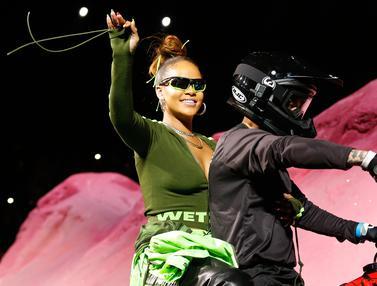 New York Fashion Week-Rihanna