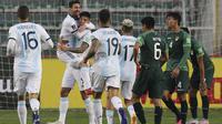 Timnas Argentina meraih kemenangan 2-1 atas Bolivia pada laga kedua kualifikasi Piala Dunia 2022 zona Amerika Selatan di Estadio Hernando Siles, La Paz, Rabu (14/10/2020). (Martin ALIPAZ / POOL / AFP)
