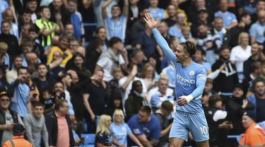 Gelandang Manchester City, Jack Grealish berselebrasi usai mencetak gol ke gawang Norwich City pada pertandingan pekan kedua Liga Inggris di stadion Etihad di Manchester, Inggris, Sabtu (21/8/2021). Jack Grealish mencetak gol debut untuk Manchester City ke gawang Norwich City. (AP Photo/Rui Vieira)