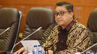 Ketua Komisi IX DPR Dede Yusuf meminta kepada Kemenker bersama dengan Konsil Kedokteran Indonesia (KKI) dan Ikatan Dokter Indonesia (IDI) untuk segera menyelesaikan permasalahan dokter Terawan.