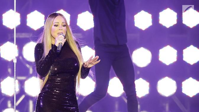 Diva asal AS, Mariah Carey tampil pada acara Himbara Borobudur Shimpony 2018 di Candi Borobudur, Magelang, Selasa (6/11). Mariah membawakan tembang-tembang hitsnya antara lain, Fantacy, Fly Away dan Hero sebagai penutup konser. (Fimela.com/Bambang E.Ros)#source%3Dgooglier%2Ecom#https%3A%2F%2Fgooglier%2Ecom%2Fpage%2F%2F10000