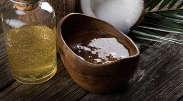 10 manfaat minyak kelapa bagi kesehatan dan kecantikan ini mungkin saja belum kamu ketahui.