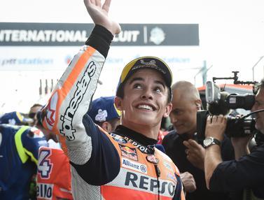 Senyum Marc Marquez Raih Pole Position di Gp Thailand