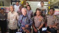 Menteri Perdagangan Enggartiasto Lukito memberi keterangan pers di Mapolda Jateng. (foto : Liputan6.com / edhie prayitno ige)