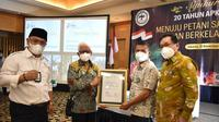 Penghargaan atas Dedikasi pada Petani Sawit Indonesia dari Jenderal Moeldoko. foto: istimewa