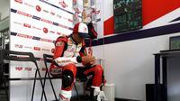 Dimas Ekky Pratama Khusyuk Berdoa Jelang Balapan Moto2