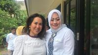 Kartika Soekarno bersama Sinthya Ayuningrum, Ketua Dharma Wanita Persatuan Jakpus (dok. instagram.com/kartikasoekarnofoundation/https://www.instagram.com/p/B4gczloAeGD/Novi Thedora)