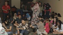 Penonton rela antre untuk menyaksiikan Indonesia Open 2017. Meski Bulan puasa namun antusias warga tetap tinggi untuk menyaksikan laga Indonesia Open.  (Bola.com/M Iqbal Ichsan)