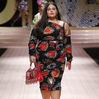 Intip koleksi Dolce & Gabbana yang gunakan ukuran plus (Foto: Instagram/spinozzib)