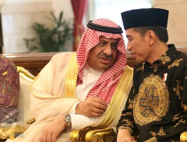Jokowi Sambut Pangeran Khalid di Istana Merdeka