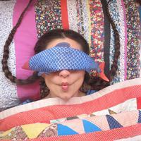 Kembalikan suasana hati yang tenang setelah seharian lelah bekerja dengan bantak ikan yang lucu ini. (Via: boredpanda.com)