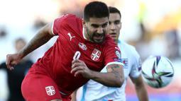 Di urutan kedua disusul oleh penyerang Serbia, Aleksandar Mitrovic. Dirinya tercatat juga mampu mencetak gol sebanyak tujuh kali dari lima penampilannya bersama Serbia. (Foto: AFP/Oliver Bunic)