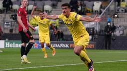 Gerard Moreno. Striker berusia 29 tahun ini total telah 3 musim memperkuat Vilarreal. Total telah mengoleksi 49 gol dalam 103 laga di LaLiga. Musim lalu mampu mencetak 23 gol dan berada di urutan kedua top skor LaLiga bersama Karim Benzema. (Foto: AFP/Pool/Janek Skarzynski)