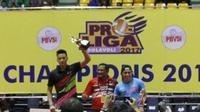 Agung Seganti (putra Jakarta Pertamina Energi/Kanan) dan Aprilia Manganang (putri Jakarta Elektrik PLN) terpilih sebagai pemain terbaik (MVP) Proliga 2017. (Humas Proliga)
