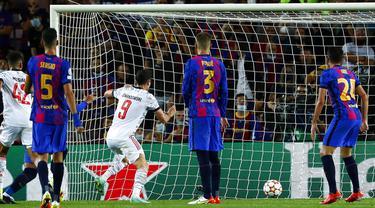 FOTO: Bayern Munchen Cukur Barcelona 3-0 di Camp Nou