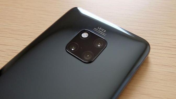 Tiga lensa kamera belakang Huawei Mate 20 Pro (Foto: Andina Librianty/Liputan6.com)