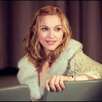 Madonna pernah diperkosa saat usianya 19 tahun. Ia pun disiksa secara mental dan fisik oleh patan suaminya Sean Penn selama 4 tahun masa pernikahan. (FREDERIC BROWN / AFP)