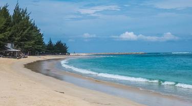 Kunjungi Pantai Lampuuk Aceh, Sandiaga Uno Minta Wisata Olahraga Dikembangkan