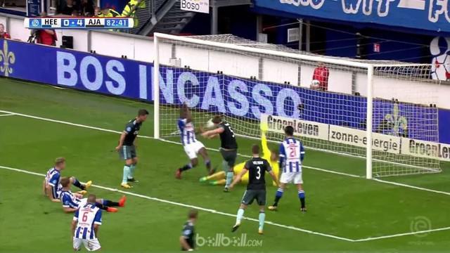 Berita video highlights Eredivisie, Ajax vs Heerenveen, Minggu (1/10/2017). This video presented by BallBall.