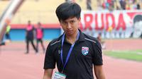 Manajer Timnas Thailand U-19, Maruay Marhasaranukun. (Bola.com/Aditya Wany)