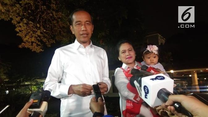 Calon Presiden nomor urut 01 Jokowi jelang debat keempat Pilpres 2019. (Liputan6.com/Lizsa Egeham)