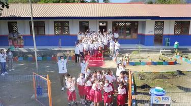 BRI merenovasi SD Negeri Fatukmetan di Kelurahan Kenebibi, Kecamatan Kakuluk Mesak, Atambua NTT. BRI berperan aktif peningkatan kualitas pendidikan Indonesia lewat renovasi sekolah.