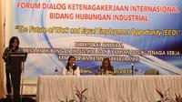 Dalam rangka memperingati 100 tahun International Labour Organization (ILO) dan perkembangan ekonomi era digital, Kementerian Ketenagakerjaan menggelar Forum Dialog Ketenagakerjaan Internasional Bidang Hubungan Industrial di Pekanbaru, Riau.