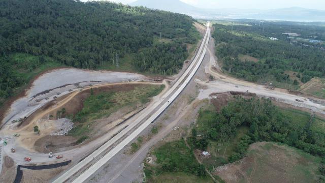 PT Jasamarga Manado Bitung (JMB) terus mengejar pembangunan Jalan Tol Manado-Bitung yang merupakan salah satu proyek strategis nasional (PSN) agar selesai tepat waktu pada Juli 2020.