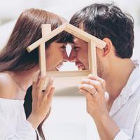 Mengelola keuangan agar punya rumah setelah menikah./Copyright shutterstock.com