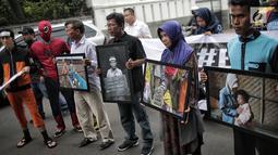 Massa aksi gerakan #BersihkanIndonesia mendatangi markas TKN Jokowi-Ma'ruf Amin, Jakarta, Rabu (13/2). Mereka menantang Capres 01 Joko Widodo meninggalkan batu bara sebagai sumber utama energi nasional ke energi bersih.(Kedaiwebsite.id)