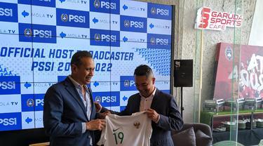 Konferensi pers kerja sama PSSI dan Mola TV untuk menayangkan seluruh pertandingan Timnas Indoensia di Garuda Store, SUGBK, Selasa (3/9/2019).