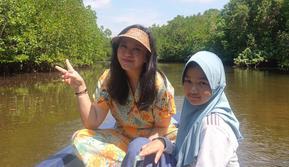 Pariwisata Bintan memang oke. Banyak destinasi keren di sana. Salah satunya Pengudang Mangrove.