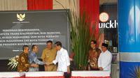 Wali Kota Max Lomban dampingi Presiden Joko Widodo resmikan Kawasan Ekonomi Khusus (KEK) di Bitung, Sulawesi Utara.