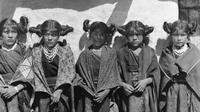 Ilustrasi anak-anak perempuan suku Hopi, pribumi Amerika. (Sumber Wikimedia Commons)