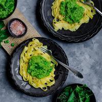 ilustrasi pasta saus pesto/Photo by Reka Biro-Horvath on Unsplash