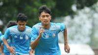 Jayus Hariono mendapat rekomendasi pelatih Arema. (Bola.com/Iwan Setiawan)