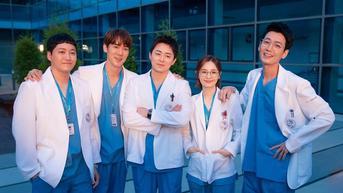 Hospital Playlist 2 Tamat, Jo Jung Suk dkk Berpamitan dengan Penuh Haru