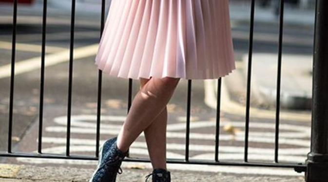 Jika Anda memiliki pakaian yang tidak sesuai dengan bentuk tubuh Anda, bawalah ke penjahit dan mereka akan menyulap pakaian Anda (Pauline Huet/Pinterest)