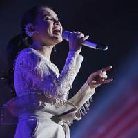 Rossa konser di Tennis Indoor Gelora Bung  Karno (GBK), Senayan, Jakarta Pusat. (Adrian Putra/Fimela.com)