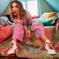 Intip koleksi sneakers bernuansa hasil kolaborasi Converse dengan Millie Bobby Brown (Foto: Instagram/converse)