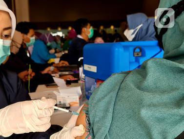Vaksin Bagi Guru Jelang Belajar Tatap Muka Terbatas