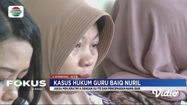 Presiden Jokowi mengaku terus memantau kasus seorang guru di Lombok, NTB bernama Baiq Nuril, yang terjerat UU ITE.