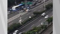 Ngeselin,  Kelakuan Pengemudi Mobil Masuk Tol dari Pintu Keluar (Foto:Istimewa)
