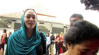 Mantan istri almarhum Adjie Massaid ini hanya berharap Pilpres tahun ini berlangsung dengan damai dan dapat memberikan rasa keadilan bagi seluruh rakyat Indonesia. (Liputan6.com/Digta)