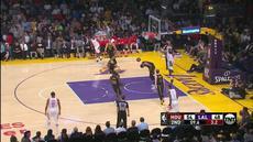 Berita video game recap NBA 2017-2018 antara Houston Rockets melawan LA Lakers dengan skor 105-99.