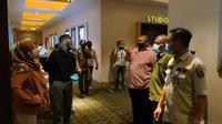 Sidak Penerapan Protokol Kesehatan di Bioskop Gorontalo (Arfandi Ibrahim/Liputan6.com)