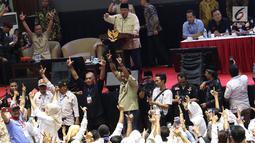 Capres nomor urut 02 Prabowo Subianto memberi pembekalan kepada relawan Prabowo-Sandi di Padepokan Silat TMII, Jakarta, Jumat (15/3). Pembekalan tersebut dalam rangka persiapan memenangkan Prabowo-Sandi di Pilpres 2019. (Liputan6.com/Immanuel Antonius)